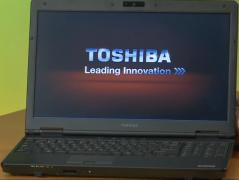 Ноутбук Toshiba Tecra A11 (Core I5, 4 гига, тянет танки)